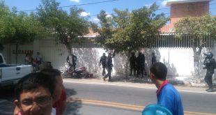 Confronto movimentou o município cearense nesta sexta-feira http://blogdogeso.blogspot.com.br/
