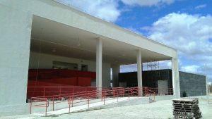 cada unidade contará com 12 salas de aula, 10 laboratórios, ginásio poliesportivo e biblioteca (Foto: Divulgação).
