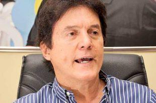 Desembargadora determinou ainda multa de até R$ 30 mil ao governador e secretários.