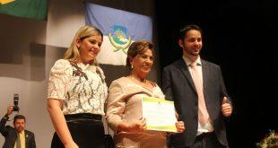 Rosalba Ciarlini recebeu diploma ao lado dos filhos
