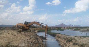Caern construiu um canal de 700 metros para facilitar a chegada da água ao ponto de captação na Adutora Serra de Santana (Foto: Divulgação Caern).