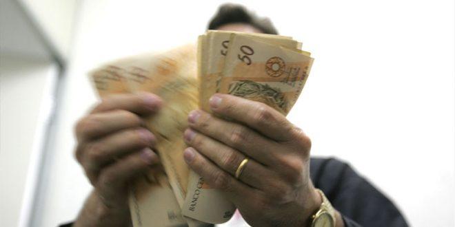 Estado anuncia pagamento parcial dos servidores que ganham mais de R$ 4 mil