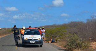 Corpo do rapaz foi encontrado às margens da estrada do melão (Foto: Fim da Linha).