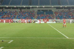 América conquistou primeira vitória contra o Potiguar nos minutos finais da partida no Arena das Dunas   FOTO: FNF