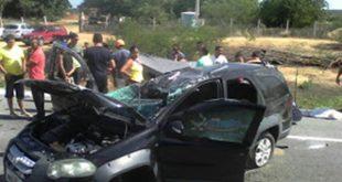 Acidente aconteceu na manhã desta quinta-feira, nas proximidades do posto Zé da Volta (Foto: Focoelho).