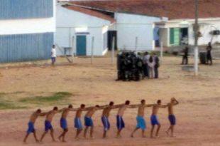 A transferência dos presos para Alcaçuz fazia parte da operação de permuta de detentos entre três presídios da região de Natal (Foto: Divulgação PM).