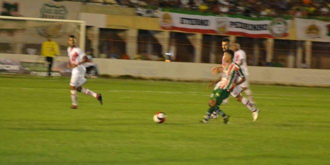 Baraúnas obteve vitória de virada em primeiro clássico do ano