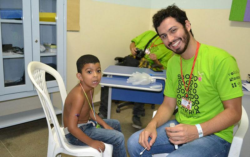 Voluntários começaram a realizar cirurgias reparadoras de fissuras labiais e/ou palatais gratuitamente (Foto: Divulgação PMM).
