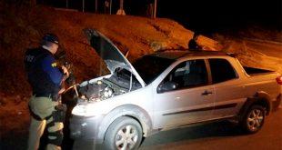 Veículo foi roubado no começo deste mês e proprietário não possuía seguro (Foto: Divulgação PRF).