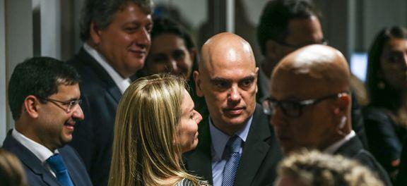 Brasília - Parlamentares cumprimentam Alexandre de Moraes durante sabatina na Comissão de Constituição, Justiça e Cidadania do Senado (Fábio Rodrigues Pozzebom/Agência Brasil)