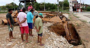 Equipes trabalham para minimizar efeito dos estragos causados pelas chuvas Foto: Ascom