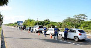 Blitz educativas orientaram condutores de veículos