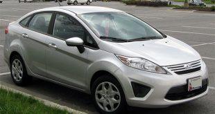 A maior quantidade de veículos é composta por carros de passeio Ford Fiesta modelo 2012, caminhões e caminhonetas.