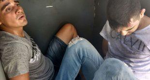Com o trio preso, os agentes encontraram fuzis, pistola e mais de 500 munições (foto: Divulgação PRF).