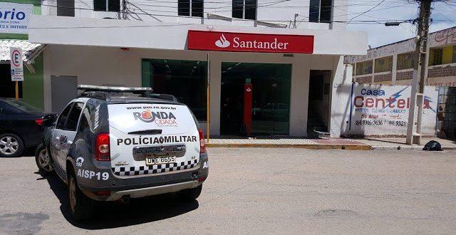 Polícia fez cerco no local após ser informada da ação - Foto: Passando na Hora