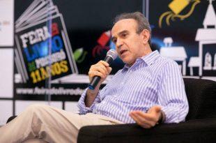 Almino obteve 30 dos 33 votos da eleição para a vaga do médico Ivo Pitangui