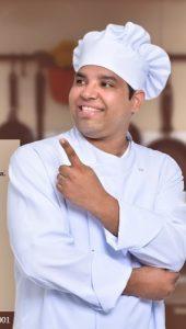 O chef Oscar Candidus feliz da vida com o sucesso da realização da sua primeira turma da oficina de gastronomia. E avisa que vem muito mais por aí!