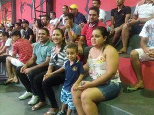 3 - O prefeito Atevaldo Nazário e a primeira-dama Juselma Oiveira no Campeonato de Futsl de Encanto/RN.