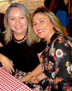 Um caso de amizade que dura por muitos e muitos anos e que é bonito de se ver , quanto mais de se viver... Odinha Araujo e Leleta Ferreira, exemplos de amizade!