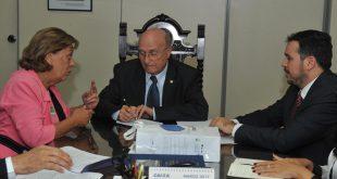 Ministro recebeu reivindicações de Mossoró - Fotos: Isaac Amorim