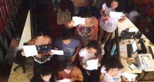 Ocupantes do prédio exigem devolução dos salários como condição para deixar a prefeitura do Natal