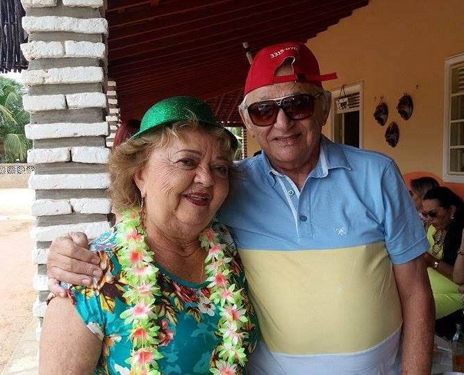 Nelson Chaves e Iara na temporada de Carnaval em Tibau.