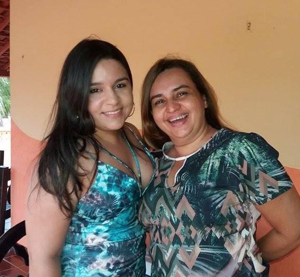 Neta e filha do casal anfitrião: Lara e Lariza Pinto.