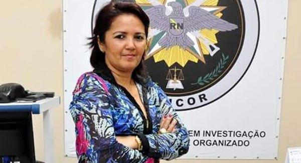 Sheyla Freitas recebe pleitos da secretaria de educação