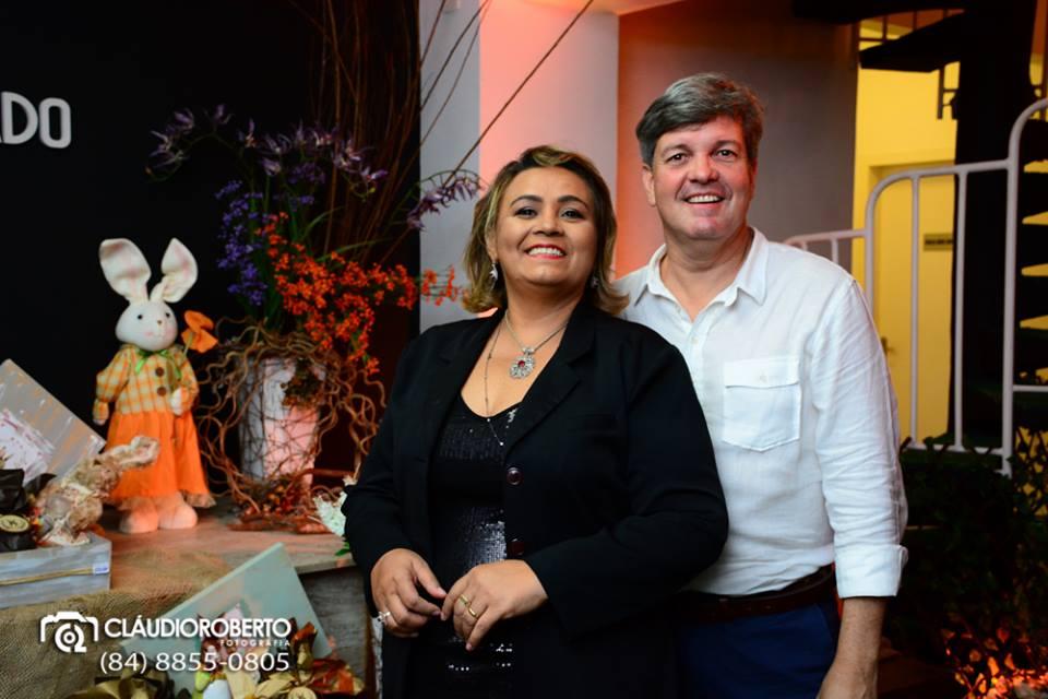 Queridos Fábia Soares e Nilton Junior na primeira noite da Expo Páscoa 2017. Achei chique!