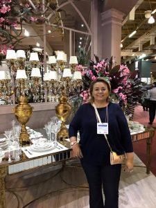 Toda feliz Fábia Soares será a grande anfitriã nesta terça e quarta-feira na sua exposição anual de páscoa. Ela arrasa!