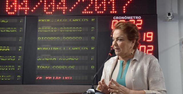 Vereadora discursa na tribuna na sessão desta terça-feira Foto: Edilberto Barros/CMM 