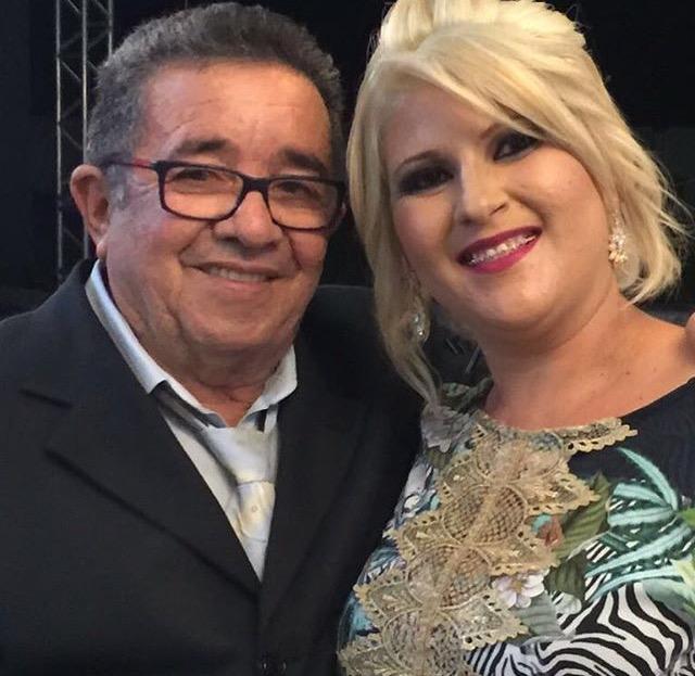 Parabéns e felicidades para meu pai, o contador Juvenal Pereira, aniversariante ilustre do sábado, 27 de maio. Aqui no clique com a esposa Marília Consuelo.