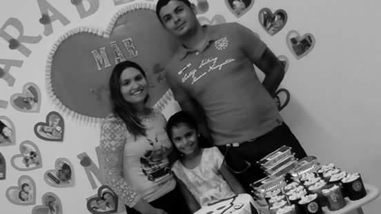 Toda linda a aniversariante Luna Maria ladeada pela mãe Bruna Alves e do pai Fábio Pereira. Parabéns
