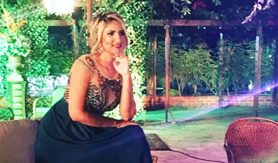 Maravilhosa Larissa Iasmim Gomes em seu baile de formatura na noite do ultimo sábado. Ela arrasa!