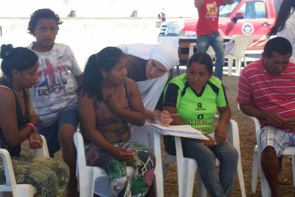 Diariamente imigrantes venezuelanos ingressam no Brasil pela fronteira com Roraima em busca de uma vida melhor (Foto: Graziele Bezerra/Agência Brasil).