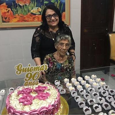 Parabéns e felicidades para Dona Guiomar que completou 90 anos de vida! Aqui no clique com a filha Mazinha Bezerra.