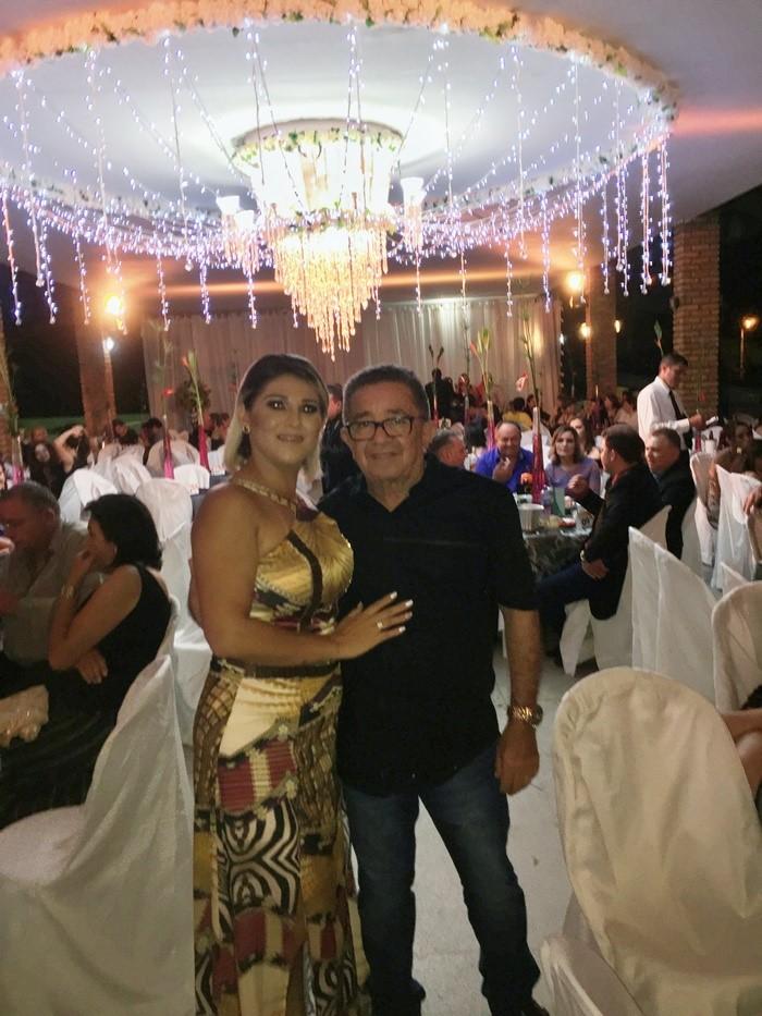 O contador Juvenal Pereira com a esposa Marília Consuelo. Ela foi Madrinha da Festa dos Destaques!!!