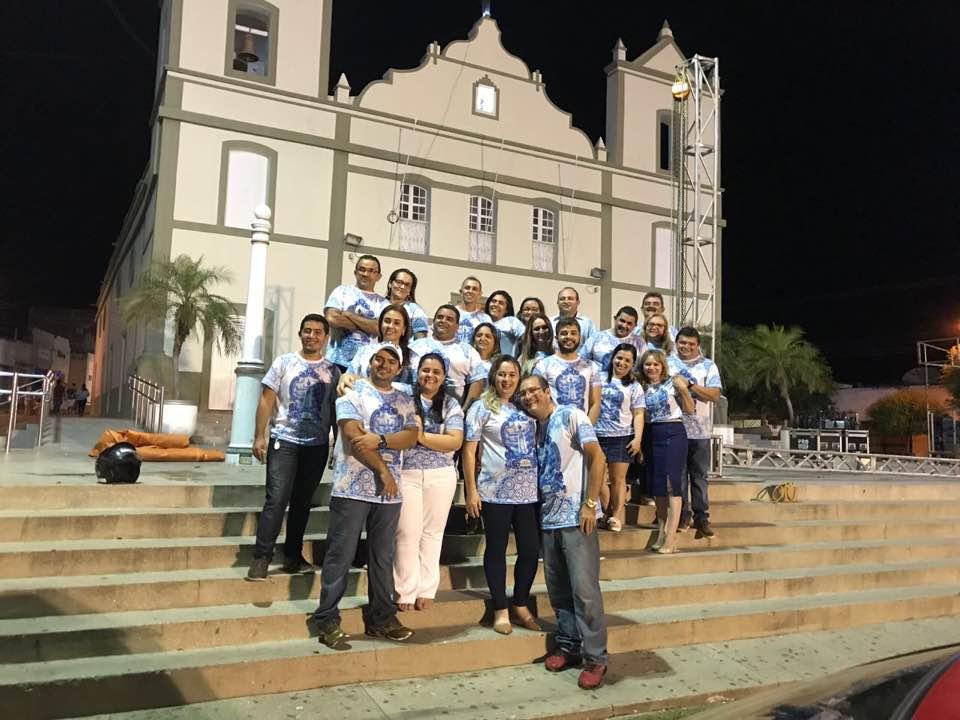 Parabéns a essa equipe que conduziu maravilhosamente bem, o mês Mariano na Matriz do nosso município. No nome da diretora da Dired de Apodi, Mara Marlizete Duarte, parabenizo todos os outros amigos!