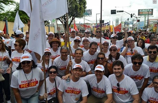 Movimento luta contra as reformas da previdência e trabalhista.