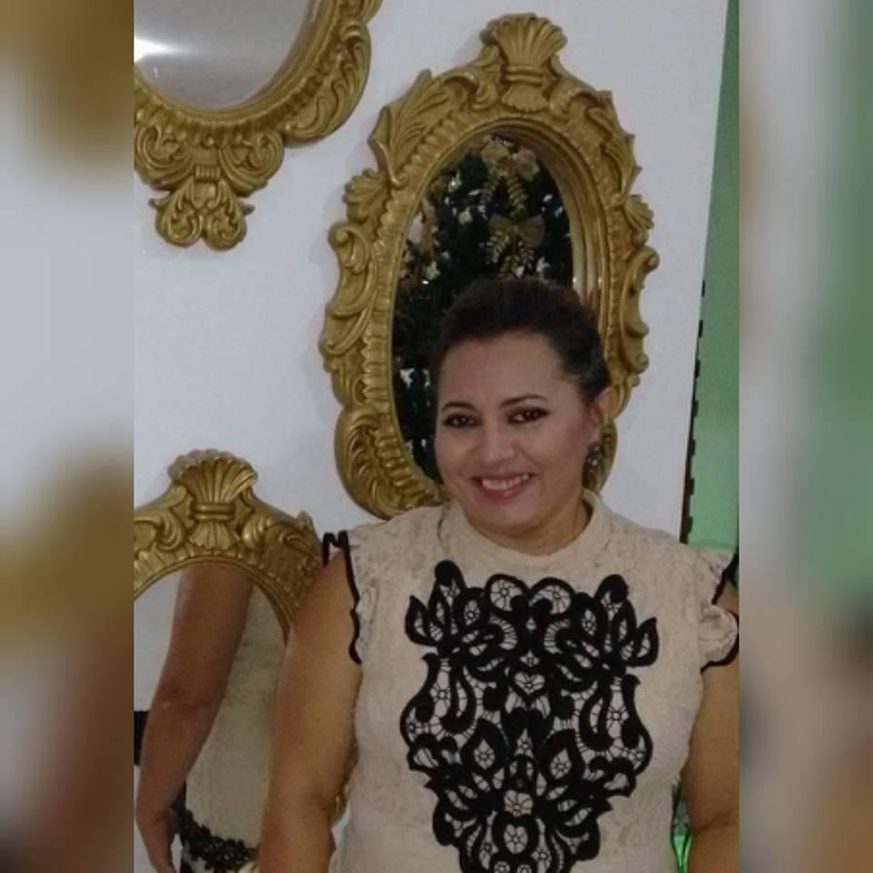 Um brinde a vida da amiga Joelma Menezes que amanheceu da idade nova. Tintim!