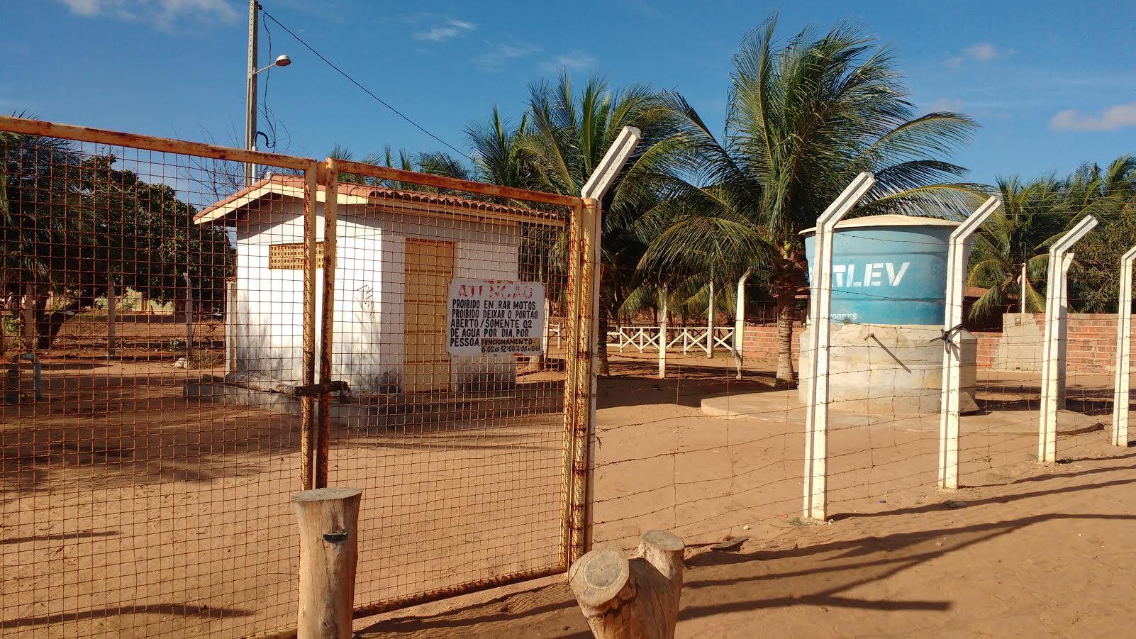 Dos 11 dessalinizadores da região do Pau-Branco, nove estão quebrados.