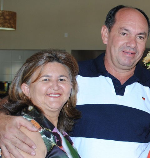 Aniversariante do dia o amigo Reginaldo Fernandes, na foto com a amada Elenilça Fernandes. Parabéns!