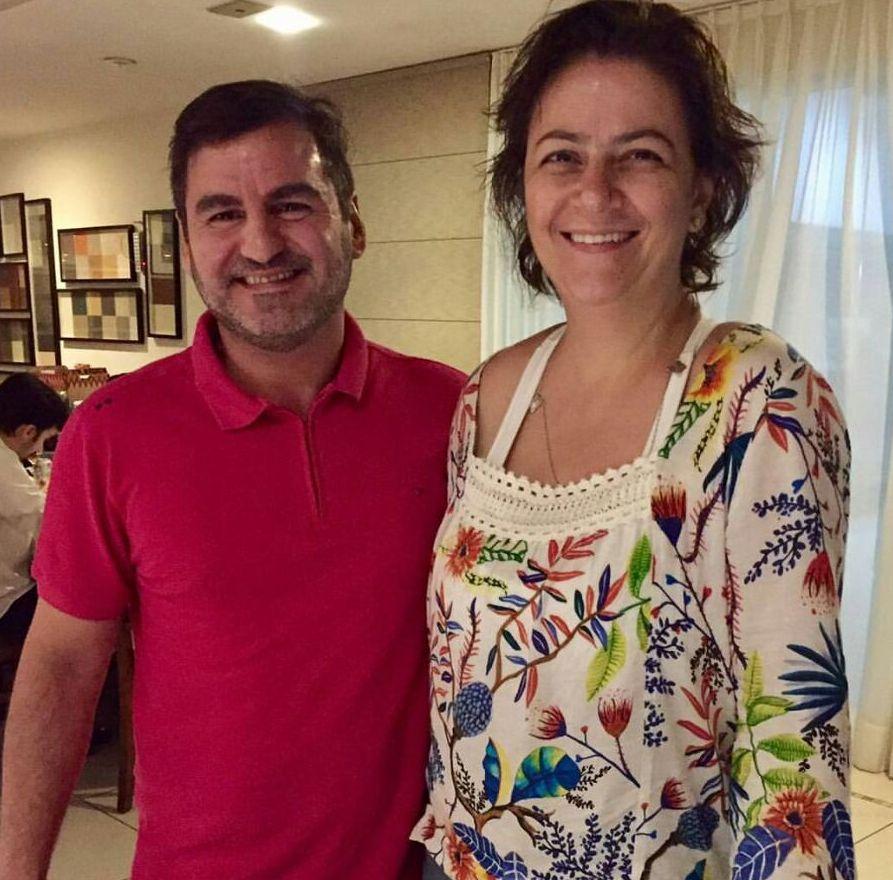 Muito bem recepcionada pelo gerente comercial do Hotel Thermas, Pablo Fernandéz, Alessandra Rubim esteve visitando as belezas do Resort.
