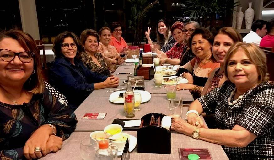 """Chega o convite da colunista Marilene Paiva e Rafaela Costa, para o lançamento de seu livro """"Por Isso não Provoque"""" no Foyer do Teatro Dix-Huit Rosado. No nome de dona Eloilma Bezerra, saúdo todas as mulheres homenageadas do livro. Grata!"""