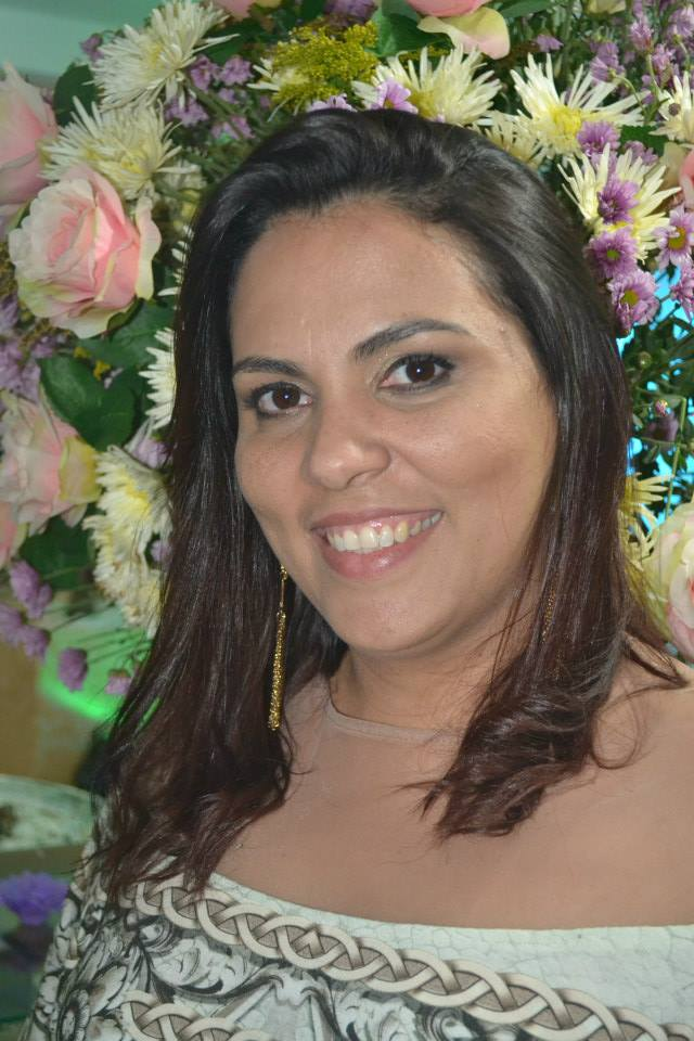 A dona da grife Calças Brasil, Merabe Costa, de parabéns pelas lindas peças em sua loja!