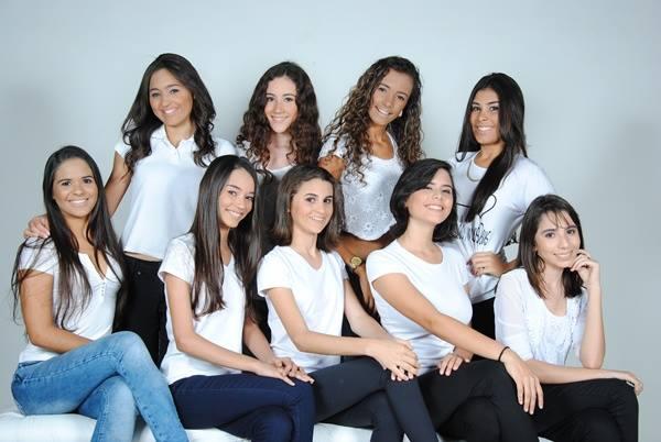 Eis aqui nove das dez concorrentes ao Miss Teen 2017, sentadas Elyda Raissa, Debora, Giovana, Marilia Fernanda e Jamile, em pé: Raissa Praxedes, Leticia, Thayna e Lorena Duarte. Lindas!