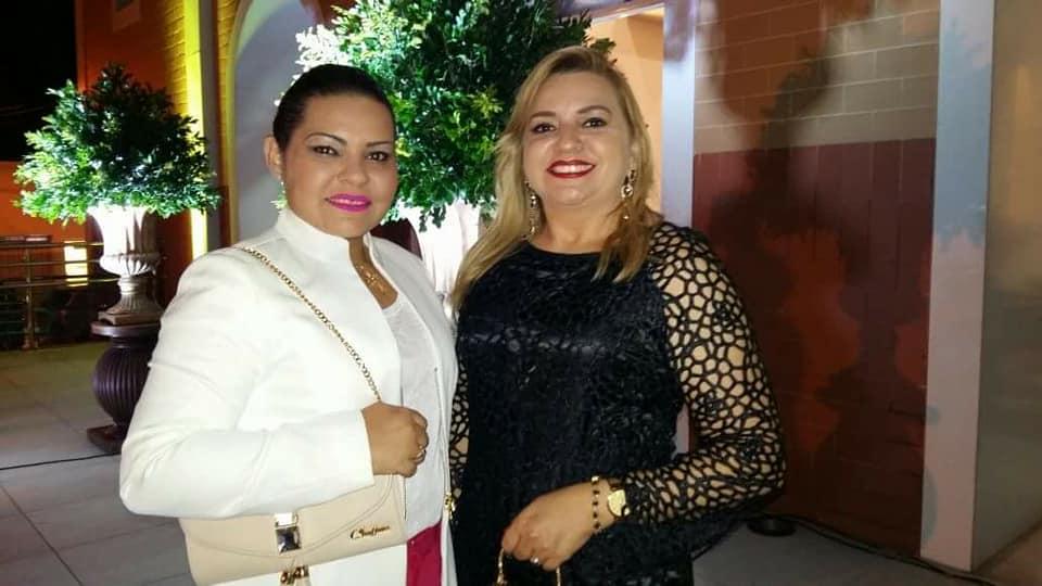 Duas aniversariantes alinhadas do mês de Junho, Anny e Lyvia Suassuna para quem renovamos os votos de felicidades sempre!