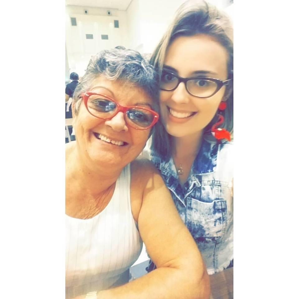 Aniversariante festejada da semana a queridona Ariadeny Fernandes na foto ao lado da não menos querida e mãe coruja Denira. Vivas!