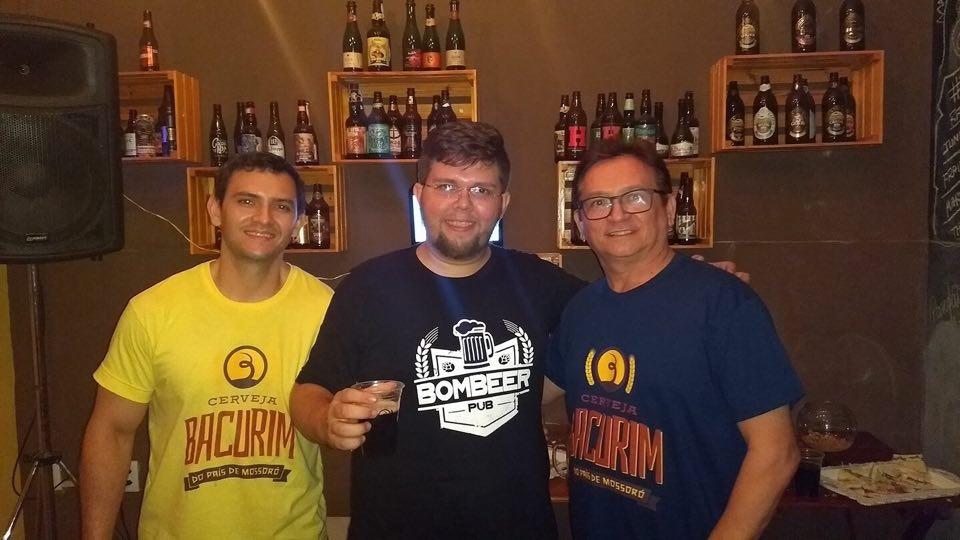 Ciro Jales, da Cervejaria Bacurim no clique com João Felipe, do Boteco Bombeer e o colunista Lisboa Batista.