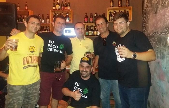 Os membros da Acerva Potiguar e apreciadores de cervejas artesanais Ciro Jales, Holanda Jr., Luciano Dutra, Tuca Viegas, João Felipe e Glicério Virgínio marcando presença no Bombeer Fest.